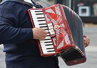 Clublied: muzikale talenten gezocht!